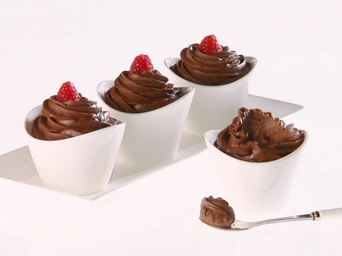 Delicious Raw Chocolate Avo Fudge Pots